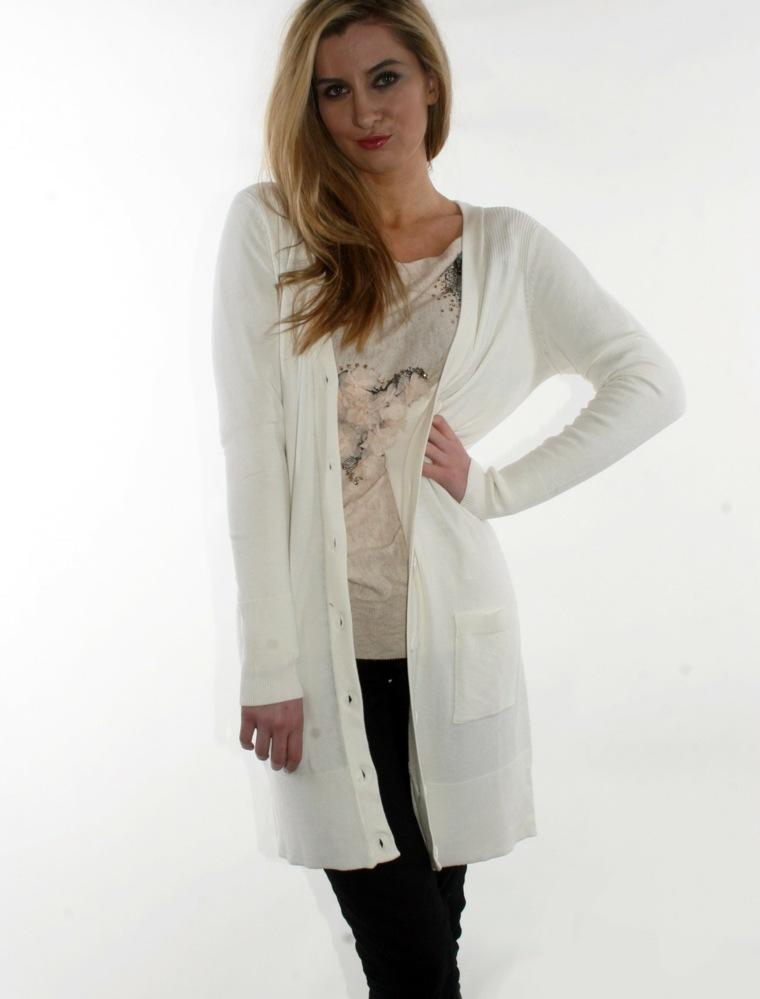 chaqueta-de-punto-larga-blanca