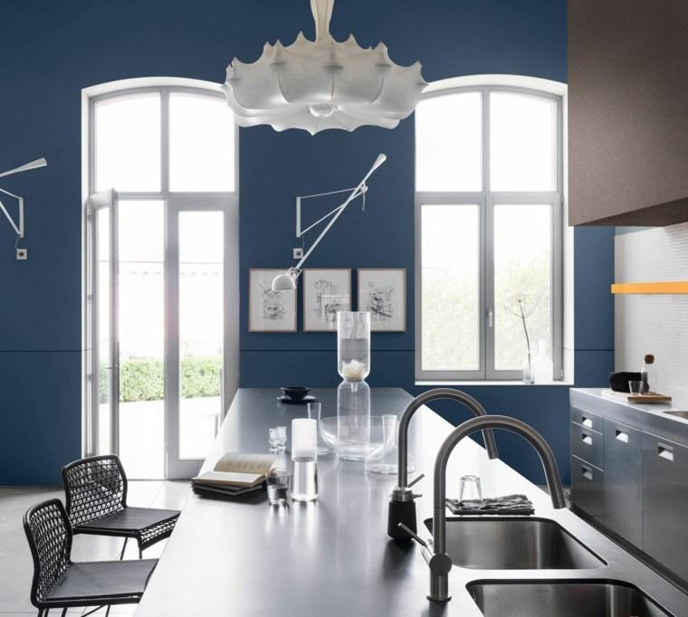 cocina-azul-de-acero-inoxidable