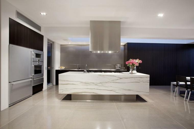cocina-moderna-isla-mamrmol-Philip-Crouch-Architects