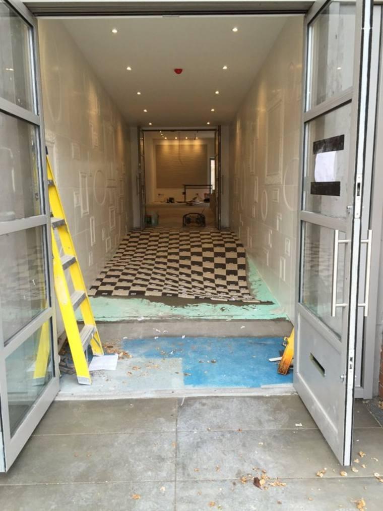 suelo con azulejos
