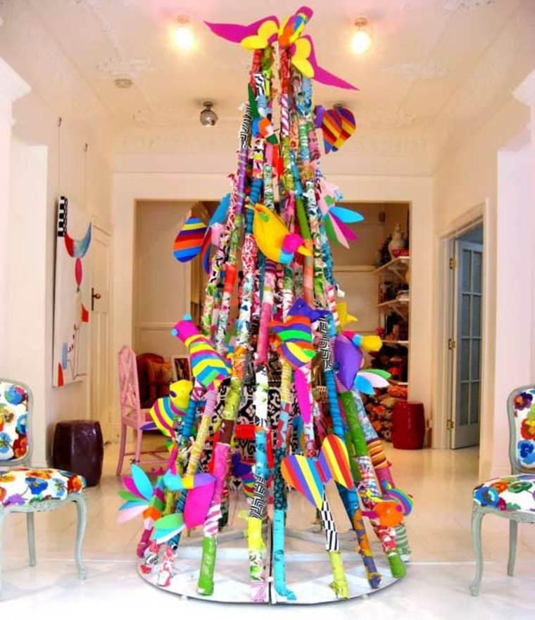 C mo adornar un rbol de navidad de manera creativa y - Arbol de navidad diferente ...