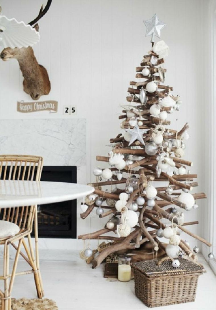 árbol de Navidad de ramas de madera