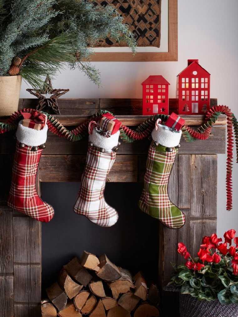 cómo hacer adornos de navidad-chimenea-calcetines