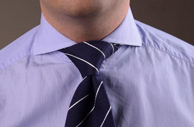como-hacer-un-nudo-de-corbata-opciones-medio-windsor