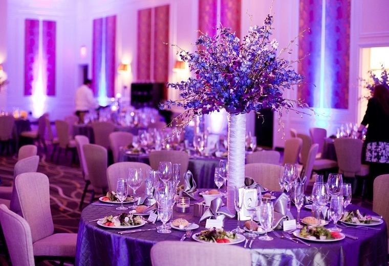 decorar-boda-color-purpura-estilo-moderno