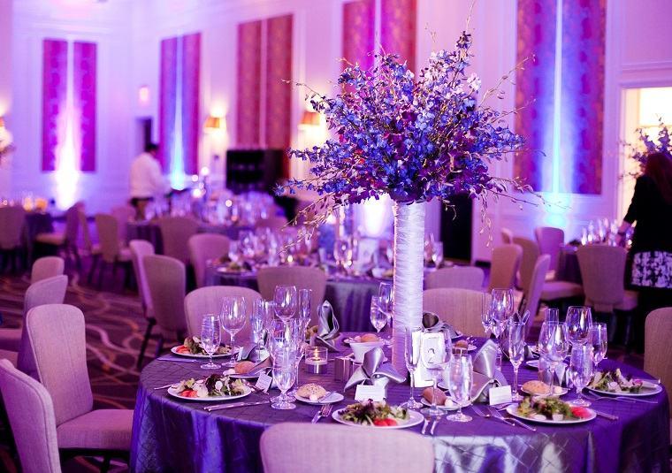 decorar-boda-color-purpura-estilo-moderno