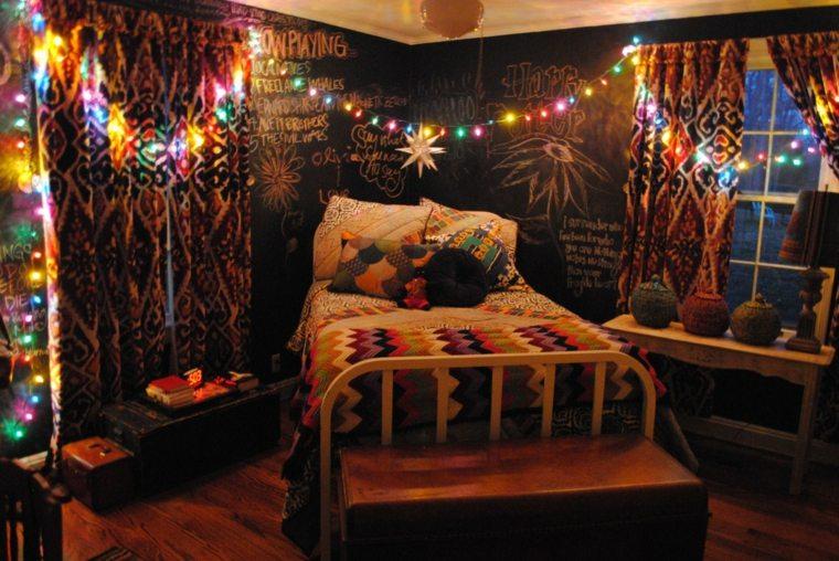 dormitorio-con-luces-navidenas