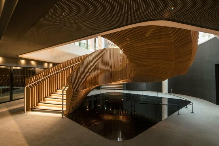 escaleras de madera espacio