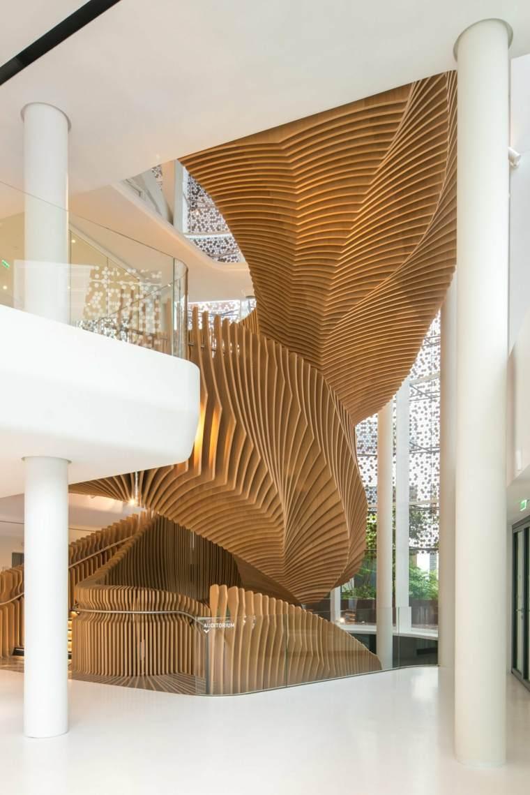 escaleras de madera serpiente