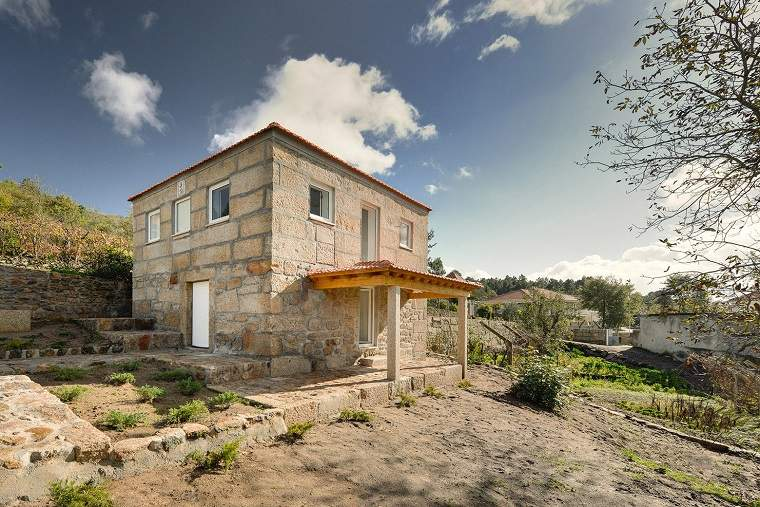 casas de piedra de estilo tradicional