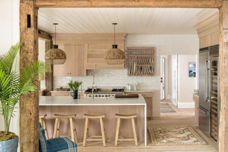 Fotos de cocinas r sticas e ideas para incorporar este - Vigas falsas de madera ...