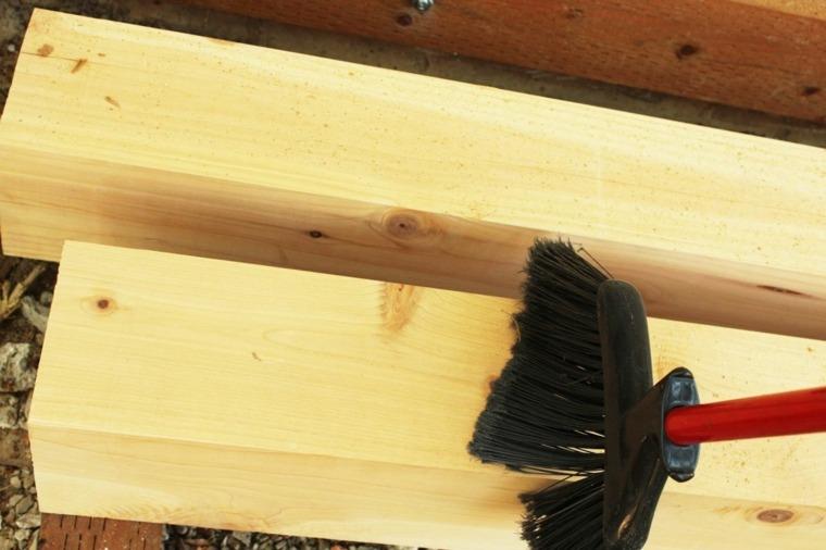 barnizar los postes