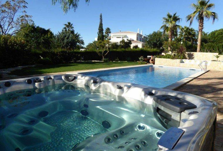 jacuzzi-con-piscina