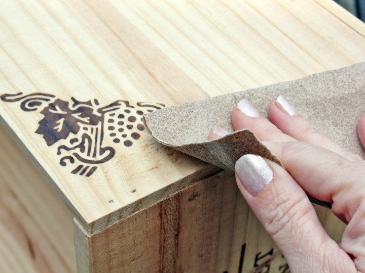 lijado superficie caja madera