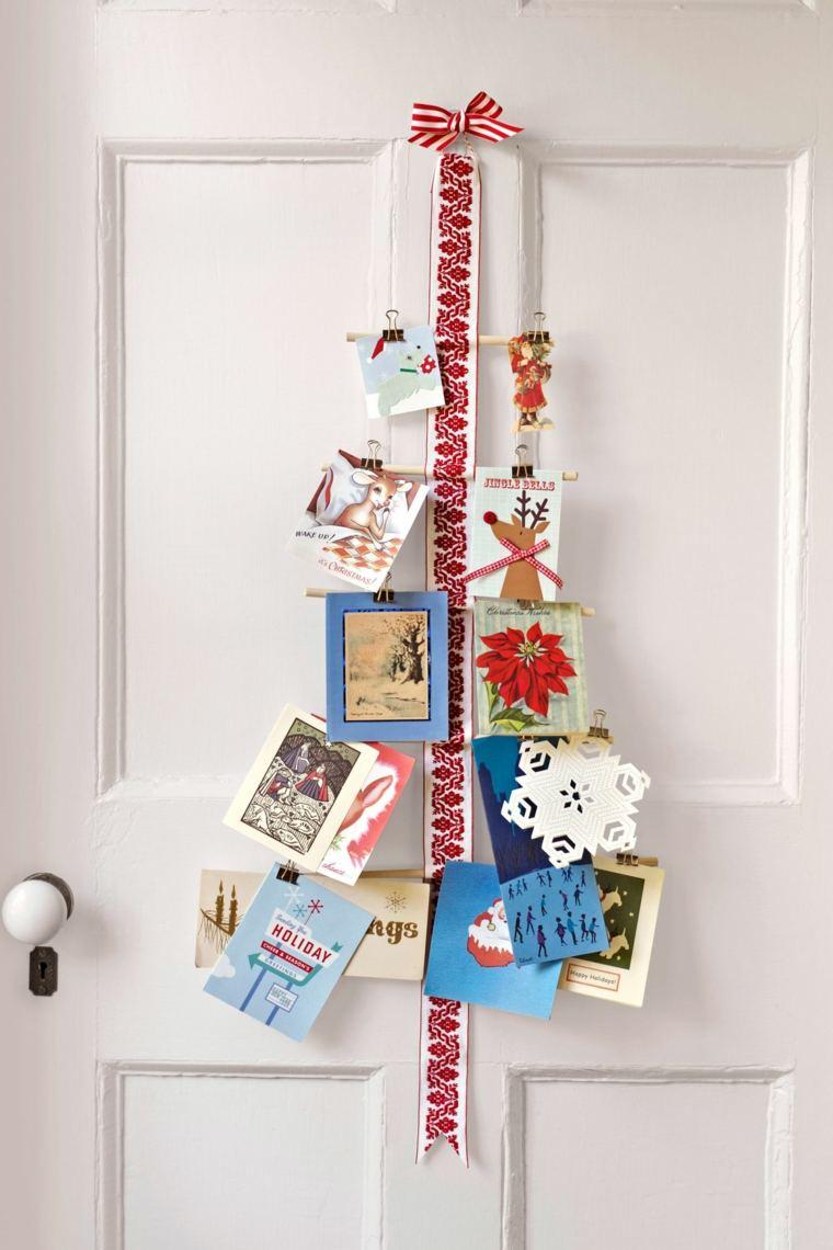 original-arbol-decorando-puerta-casa