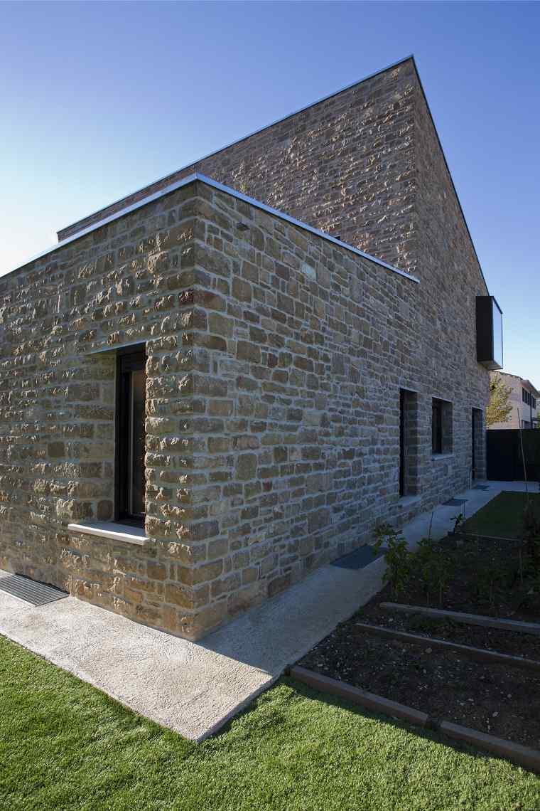 casas de piedra pros y contras de las casas con fachadas On casas modernas revestidas en piedra