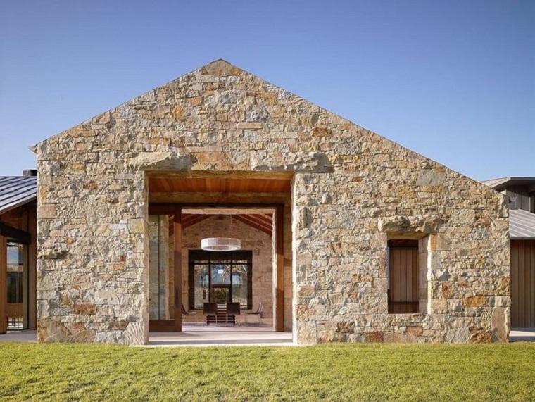 estupendo diseño de casa de piedra