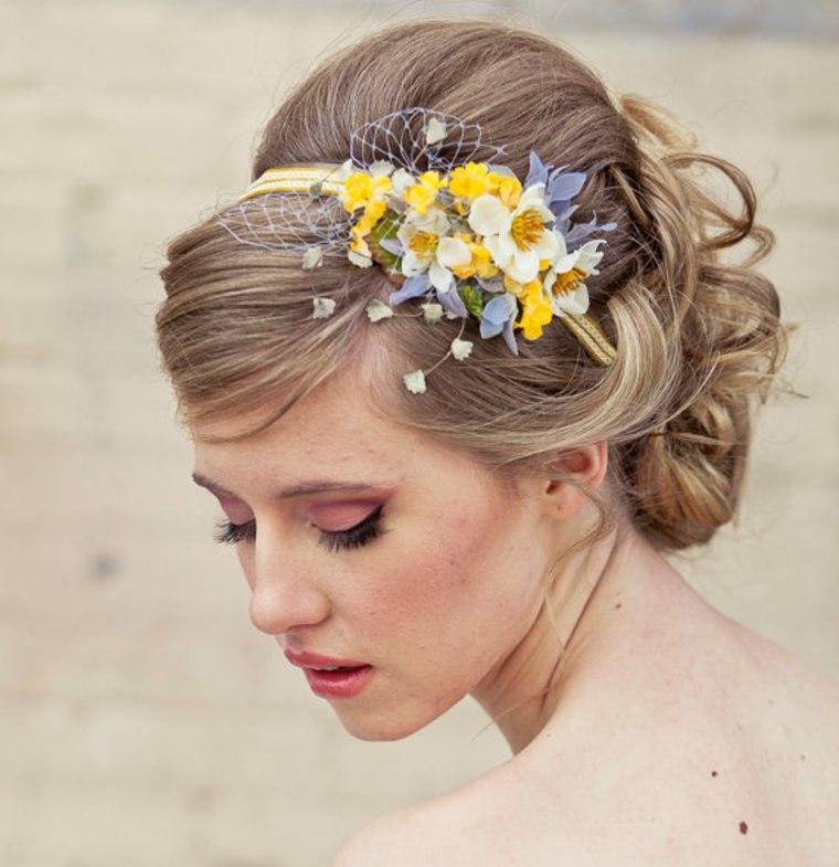 tocado para boda con florecillas