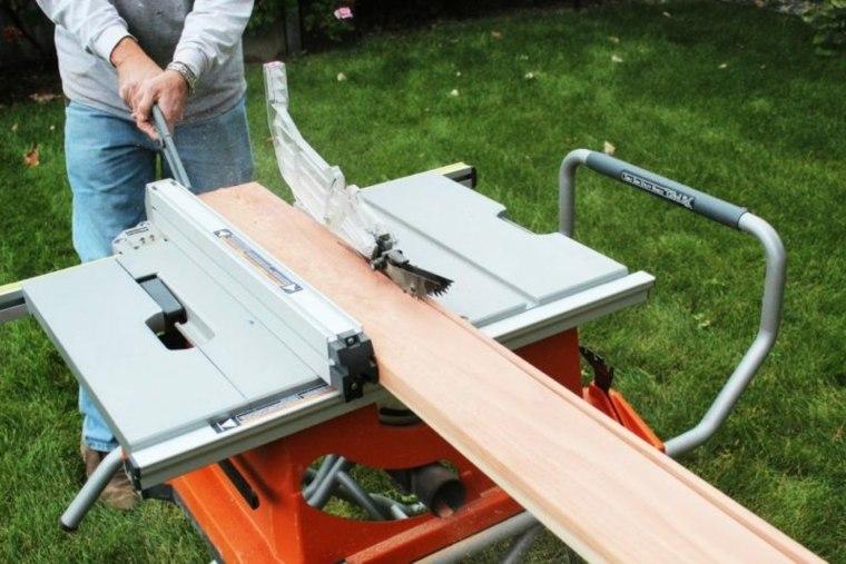construir plataforma de madera en el jardín