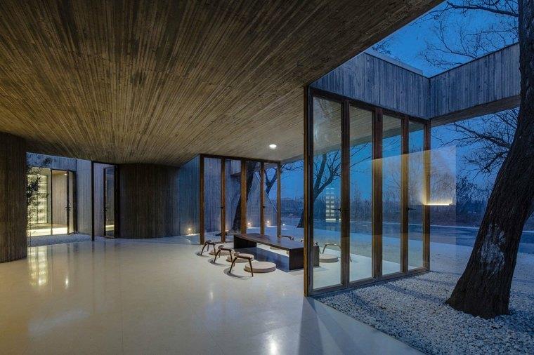 santuario-budista-interior-de-noche
