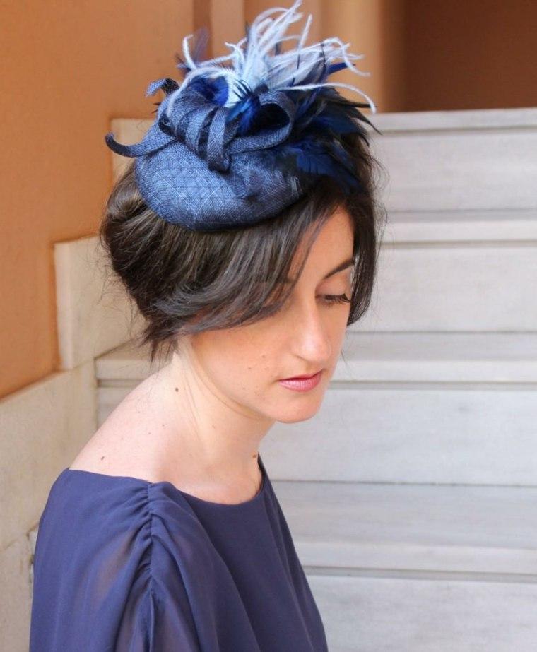 bonito tocado azul