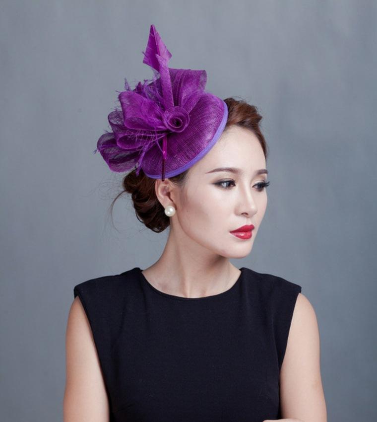 bonito tocado violeta