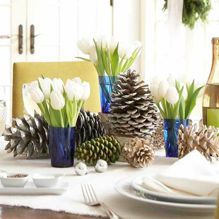 original centro de mesa con piñas de pino