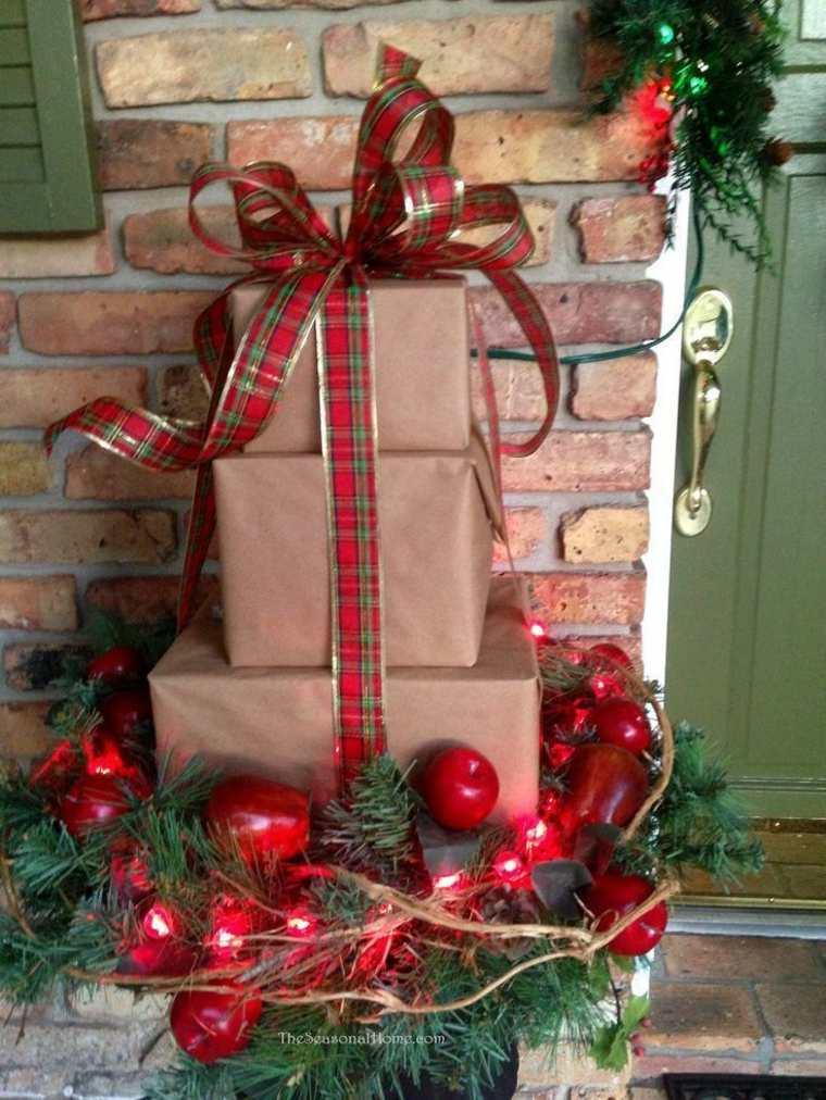 cómo decorar la puerta de entrada en navidades