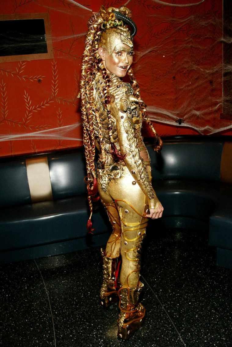 Heidi-Klum-atuendo-dorado
