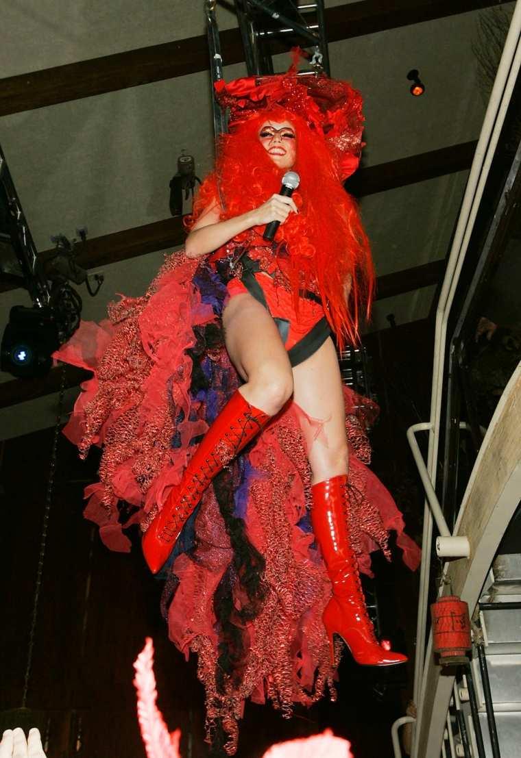 Heidi Klum disfraces bruja