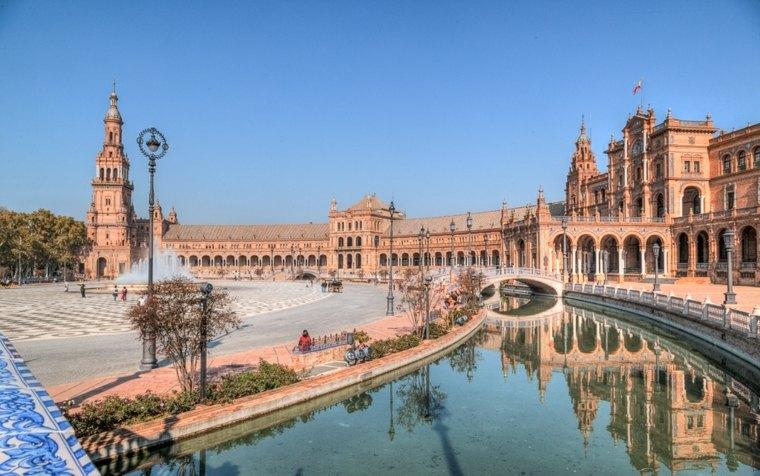 Plaza-de-Espana-Sevilla-Espana