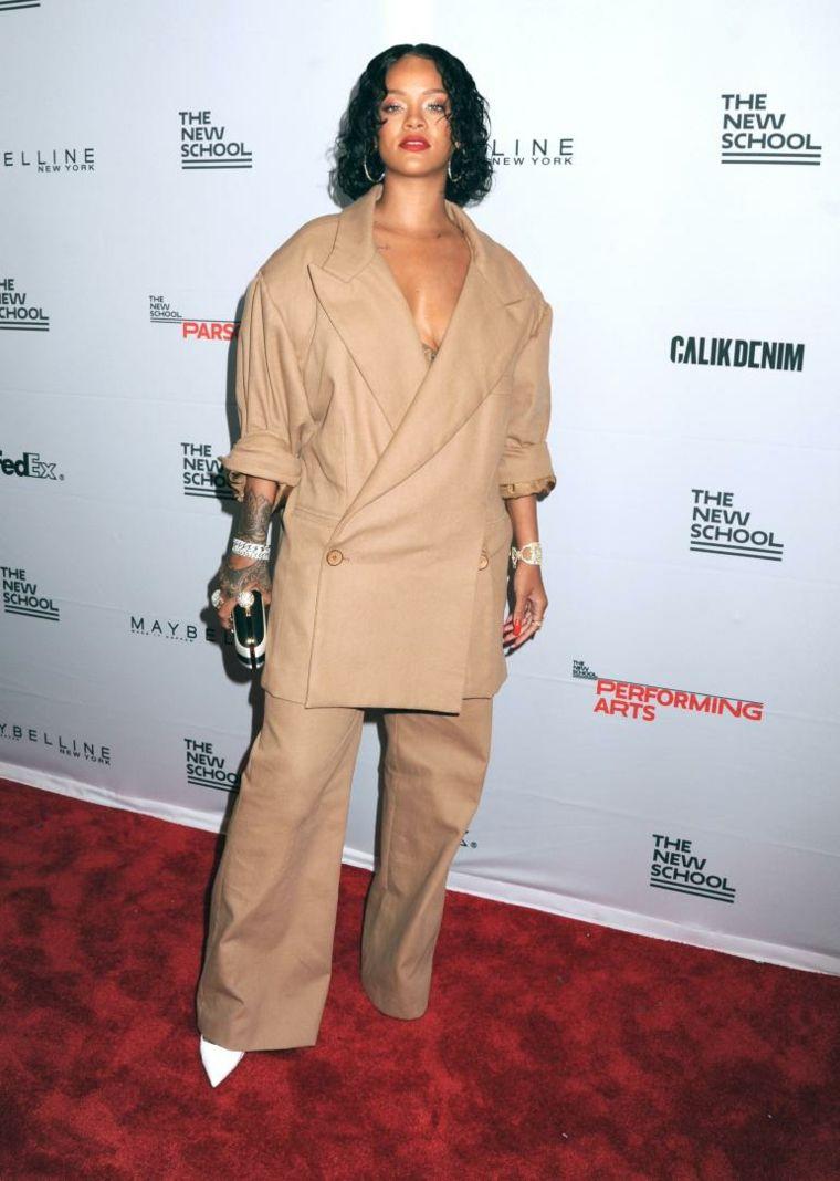 Rihanna-cuerpo-fluctuante