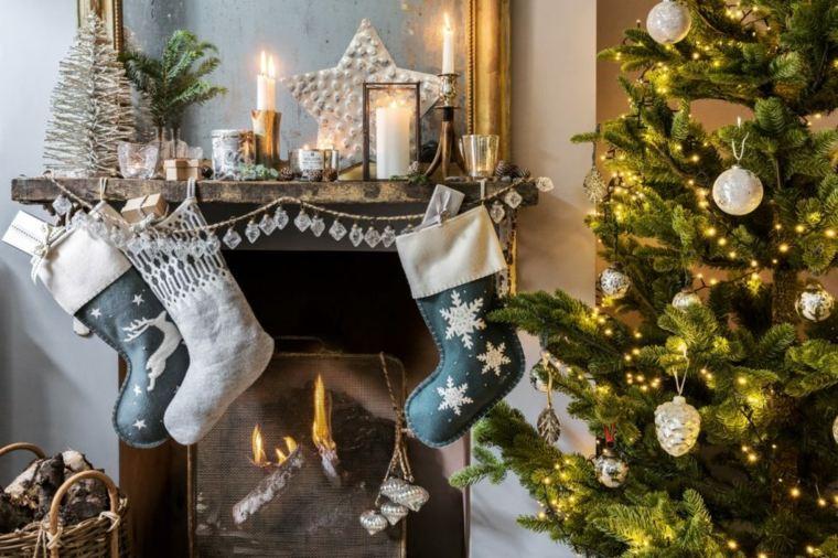 arboles-de-navidad-decorados-salon-diseno-moderno-chimenea