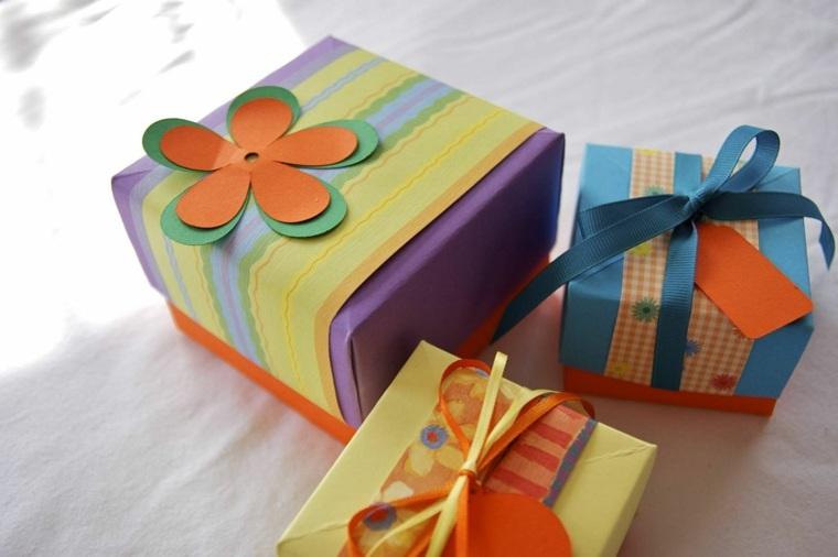 cajas de cart n decoradas a mano para regalos de navidad. Black Bedroom Furniture Sets. Home Design Ideas