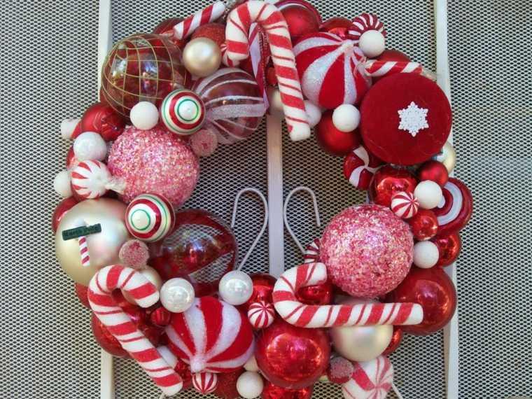 coronas-de-navidad-combinar-adornos-viejos