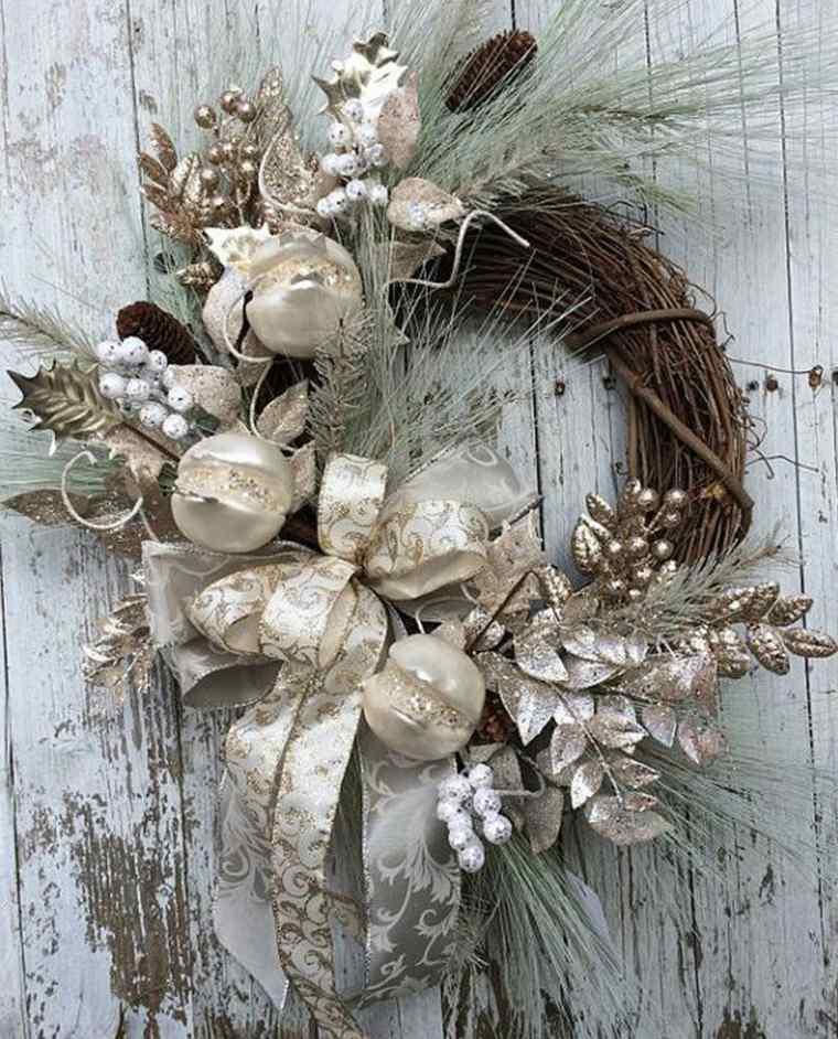 coronas-de-navidad-decoracion-navidena-llamativa