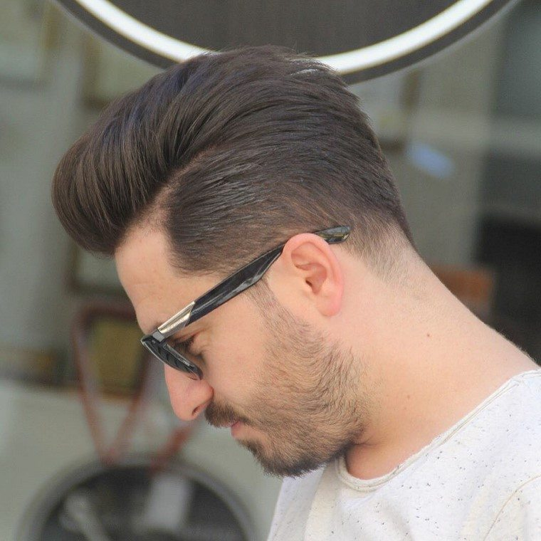 cortes-de-pelo-hombre-peinado-atras