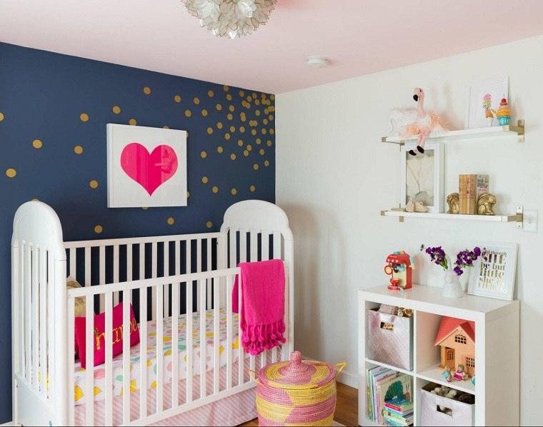decorar-habitacion-bebe-pared-azul-blanco