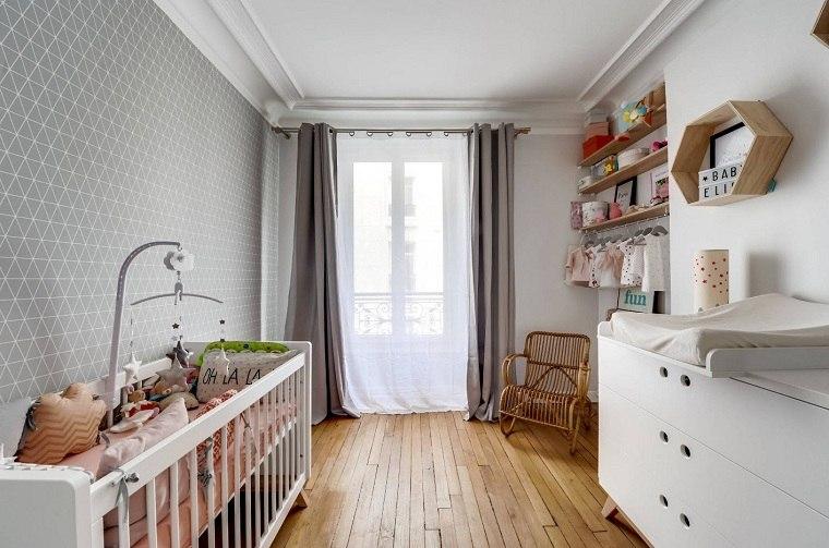 decorar-habitacion-bebe-suelo-madera-opciones