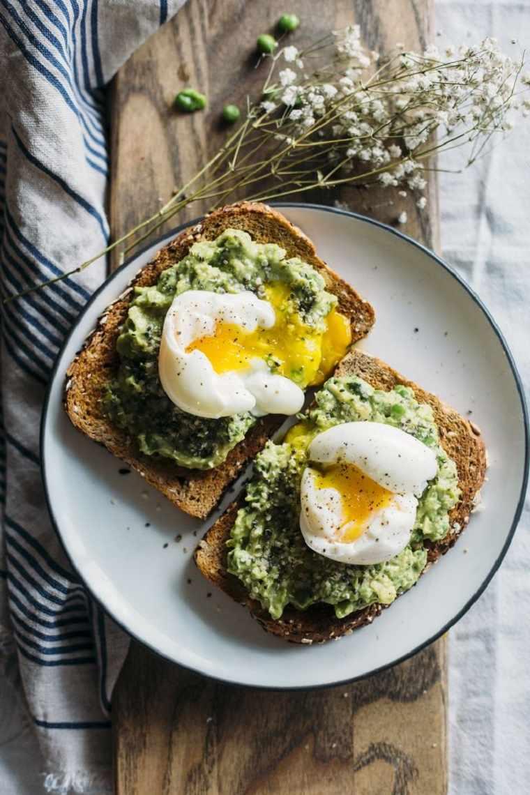 desayunos sanos-huevo-aguacate-miso-furikake