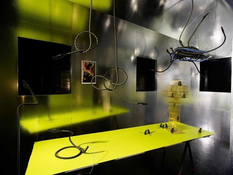 diseño industrial cables amarillos