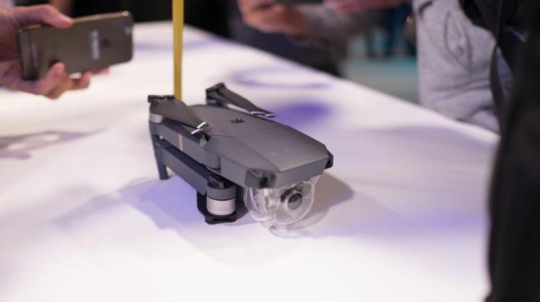 drone Mavik-plegado