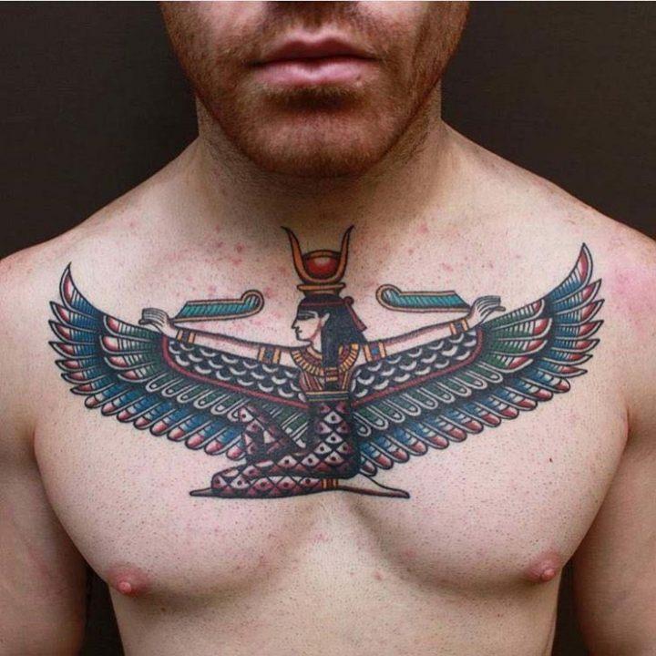 egipcio-estilo-pecho-tatuado.jpg