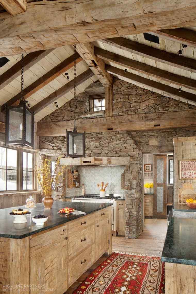 Cocinas rústicas equipadas con lo último en tecnología y diseño -