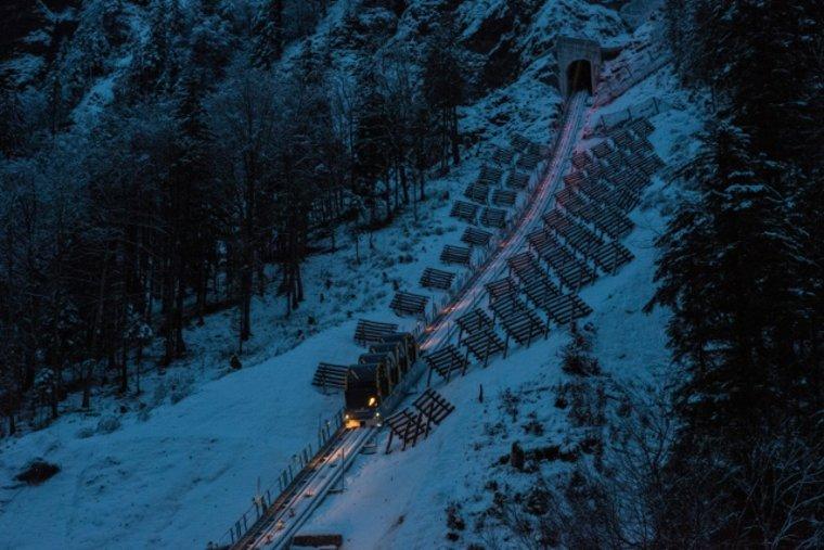 funicular-de-noche-vista