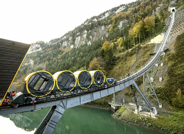 funicular impresionante-en-suiza