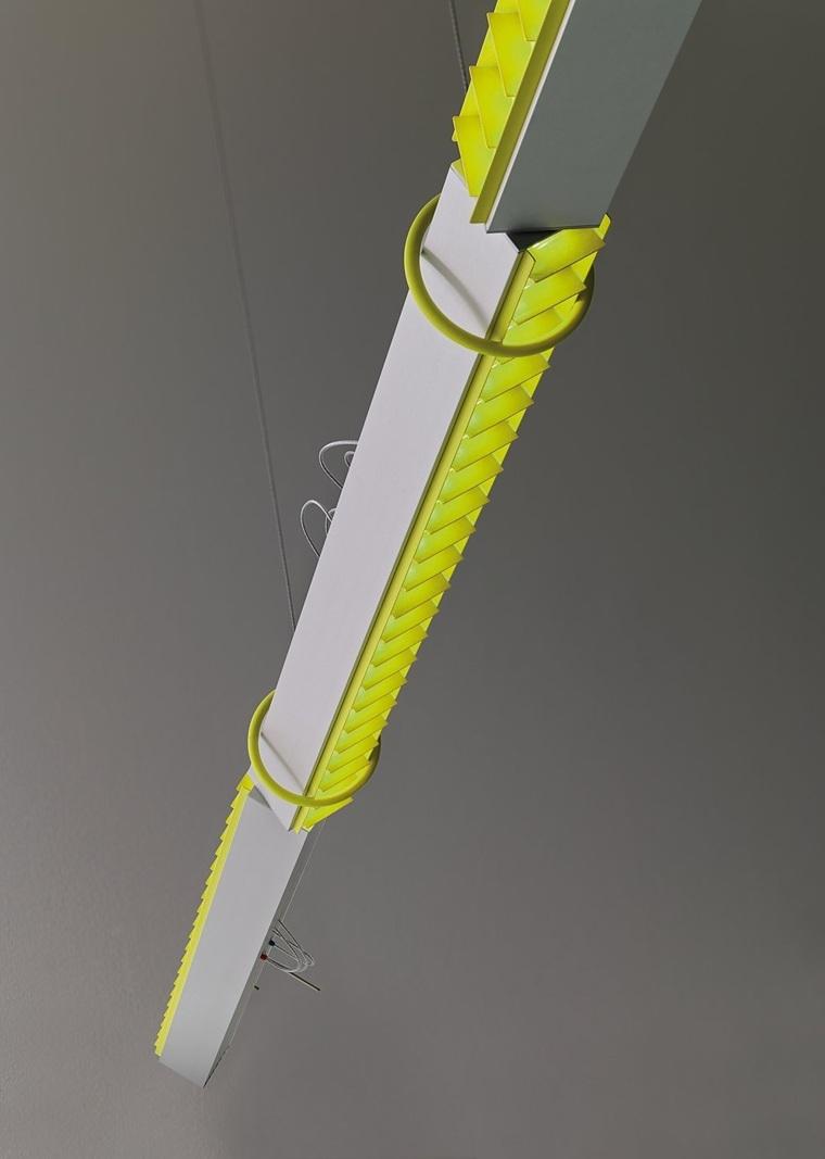 giratoria-amarilla-moderna-especial