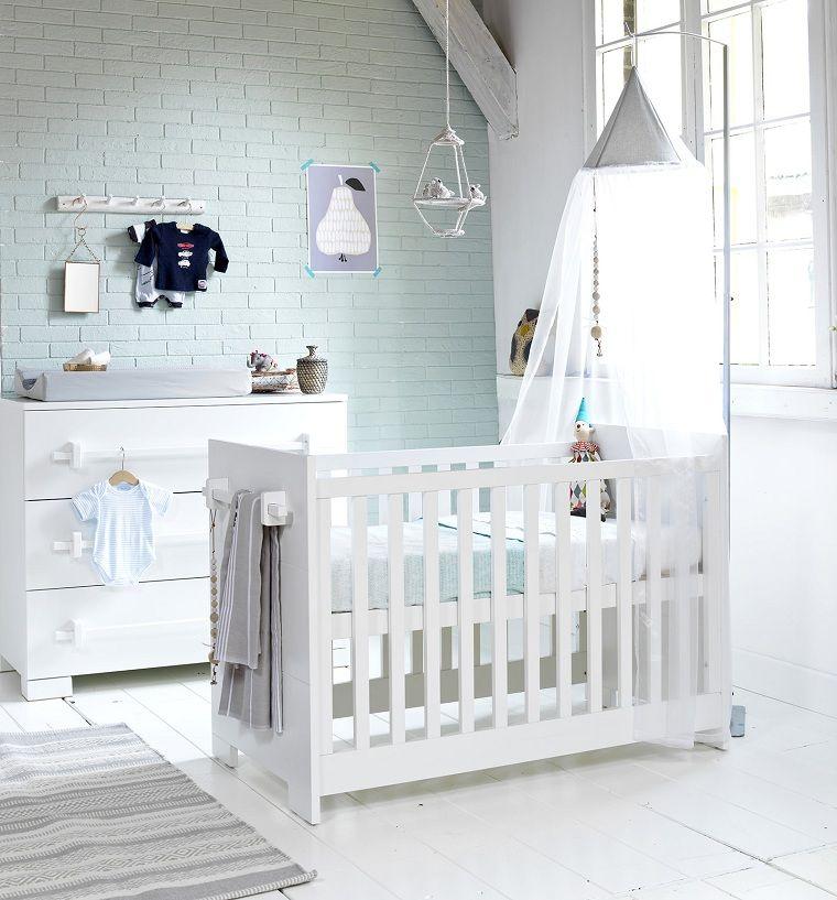 habitacion-bebe-pared-ladrillo-cuna-blanca