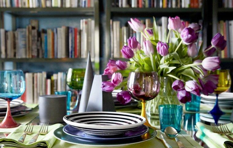 ideas para una cena romántica-opciones-mesa-flores