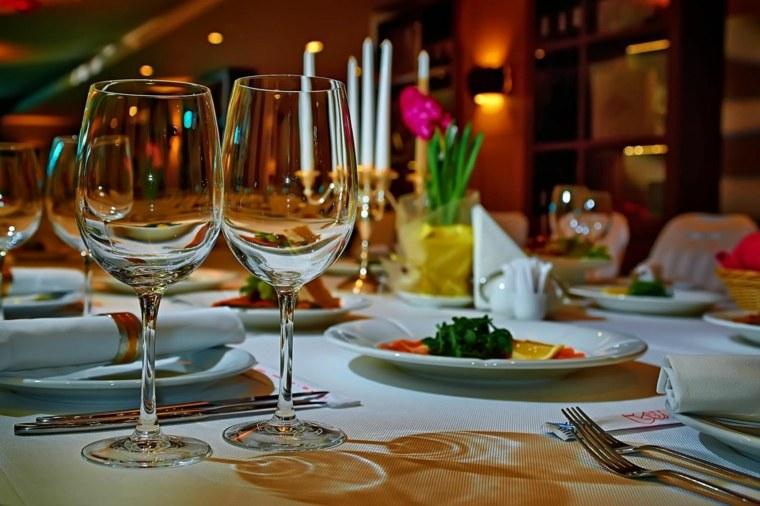 ideas-para-una-cena-romantica-sorpresas-consejos